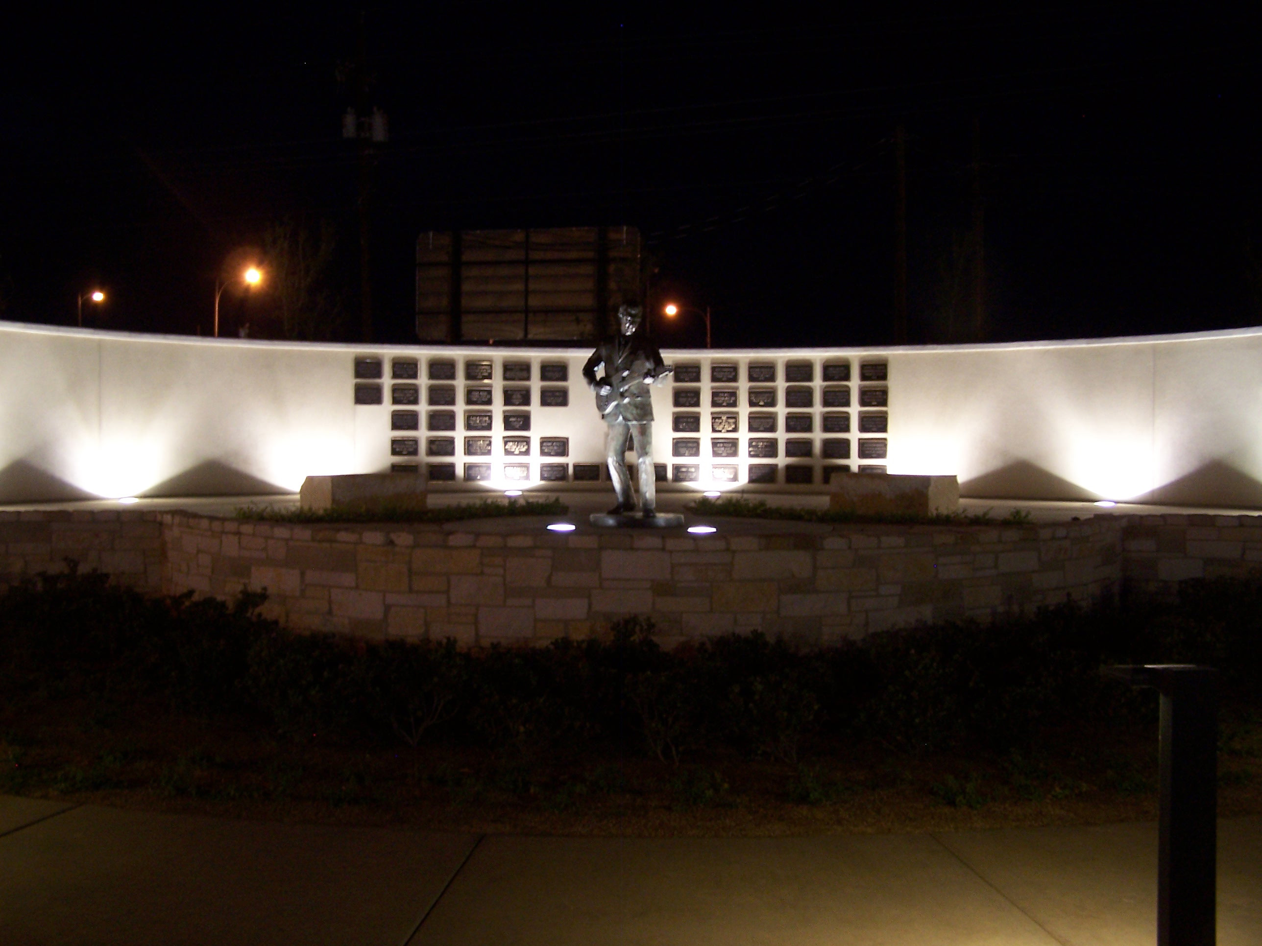 Rab led fixtures light the way to famed buddy holly statue lubbock tx